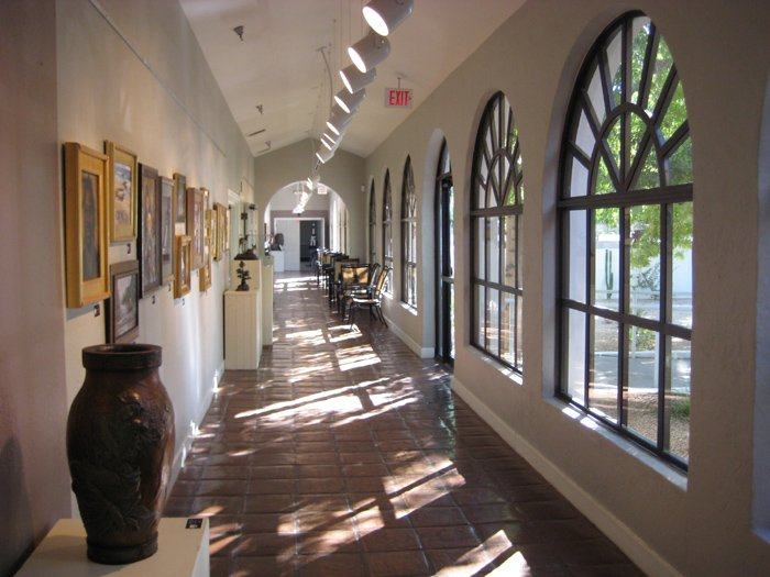 A photo of a hallway at the art instruction school Scottsdale Artists School in Scottsdale Arizona